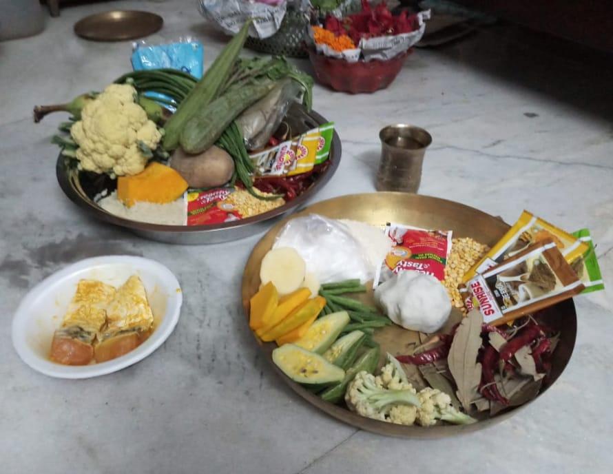 কাঁচা শাকসব্জিই মায়ের ভোগ ঝাড়গ্রামের সেনগুপ্ত পরিবারে