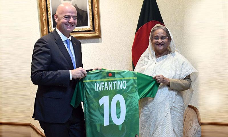 বাংলাদেশের ফুটবলে ফিফার সহযোগিতা অব্যাহত থাকবে : ইনফান্তিনো