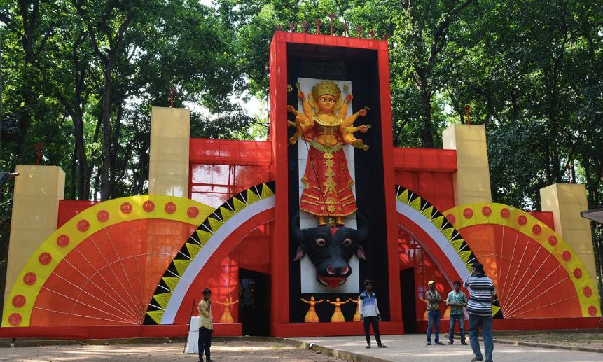 ৫৪তম বর্ষে ঘোড়াধরা সর্বজনীন পুজো কমিটির থিমের ছোঁয়ায় থাকছে 'দুর্গার দশমহাবিদ্যা'