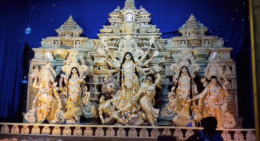 গিধনী স্পোর্টিং এর পুজোয় এবার আমাজনের জঙ্গল থেকে বিশ্ব উষ্ণায়ন