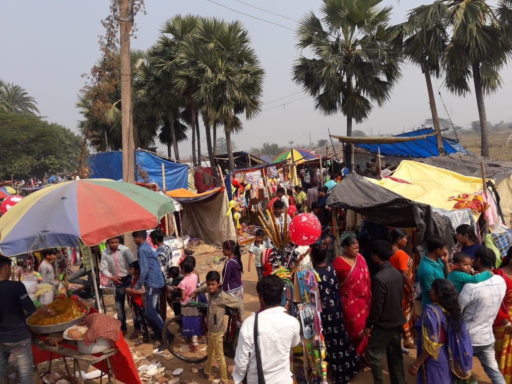 হাওড়া জেলার ঐতিহ্যবাহী মাদার শাহ বাবার মেলা