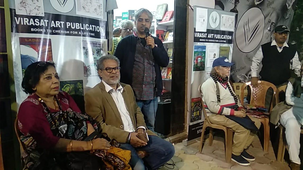 কাগজ আমরা দেখাবো না, বইমেলায় সরব কবি সুবোধ সরকার