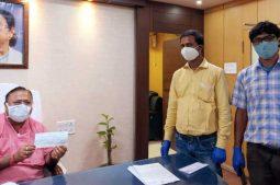 মুখ্যমন্ত্রীর ত্রাণ তহবিলে মাদ্রাসা শিক্ষকদের 25 লক্ষ টাকা