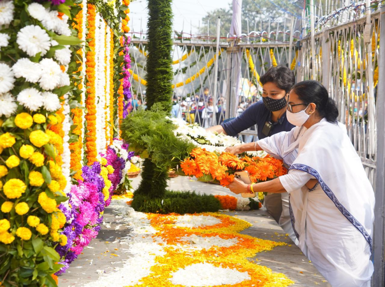 কলকাতা হোক দেশের রাজধানী, দাবি মমতার