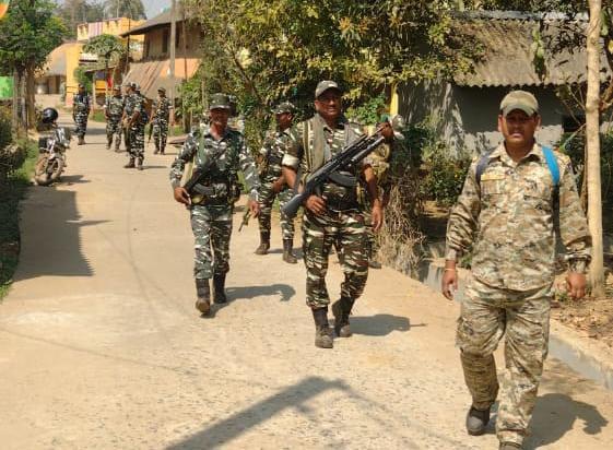 ভারী বুটের আওয়াজে শুরু হোলো কেন্দ্রীয় বাহিনীর রুট মার্চ